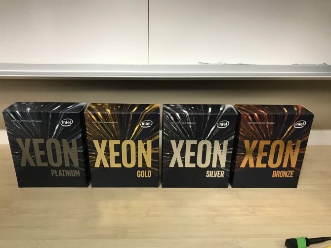 제온 스케일러블 프로세서는 기존 E3, 5, 7 대신 플래티넘, 골드, 실버, 브론즈로 나뉜다. - 최호섭 제공